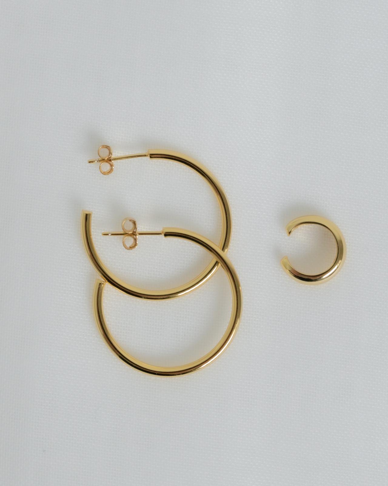 Varianten: Set Simple Hoop und Simple Earcuff Gold